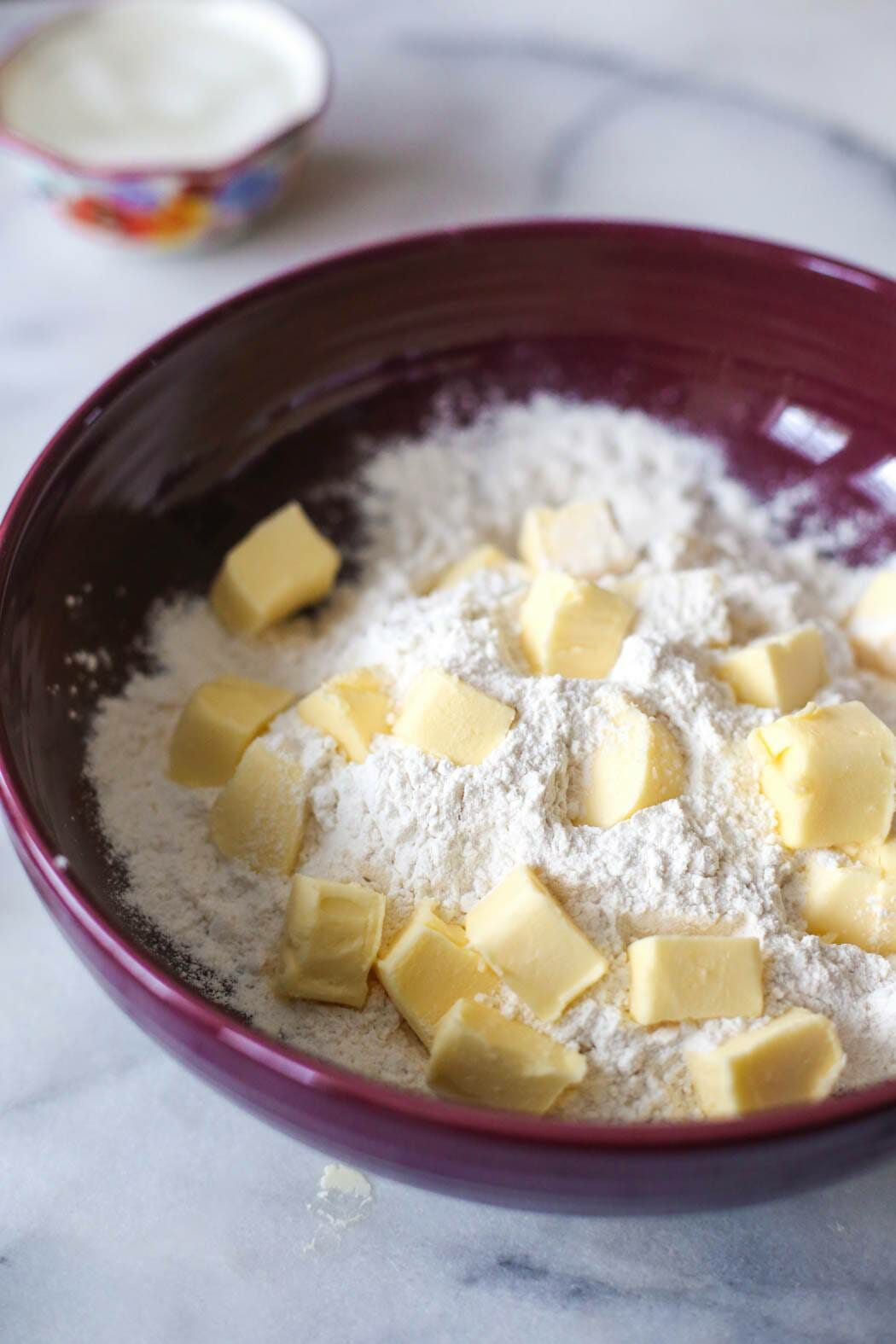 shortening and salt in flour for pie crust