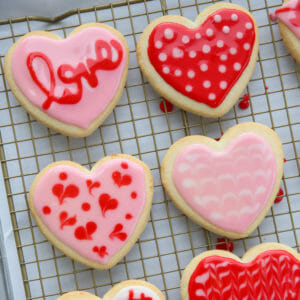 Tutorial: Cookie Decorating with Glace Icing