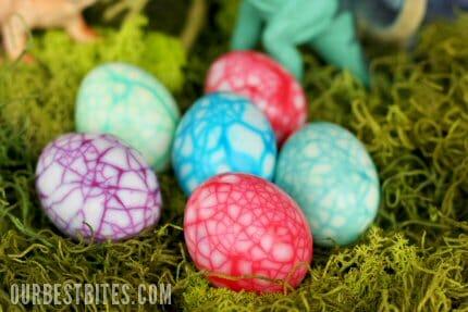 http://www.ourbestbites.com/2011/04/dinosaur-eggs/
