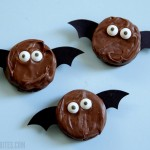 Not-So-Spooky Oreo Bats
