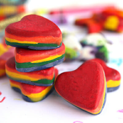 How To: Make Muffin Tin Crayons {Plus a Valentine Printable!}