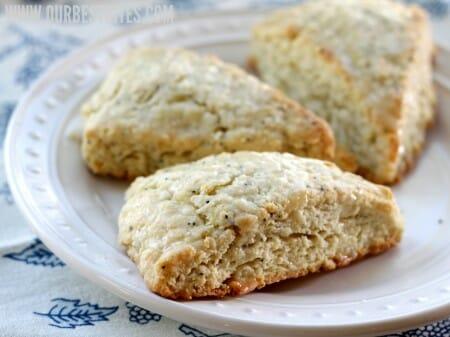 lemon poppyseed scones