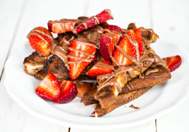 chocolate french toast with strawberries and chocolate hazelnut spread