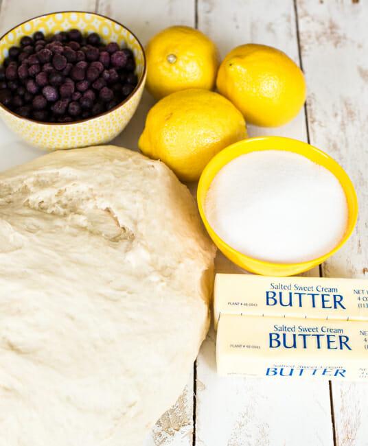 lemon blueberry roll ingredients