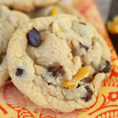 Cookies with Dark Chocolate, Mango & Coconut