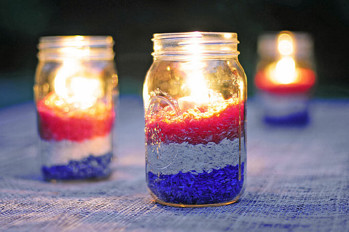 diy-red-white-blue-centerpiece-11