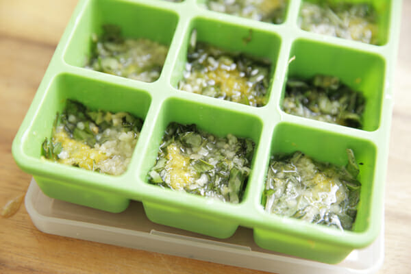 Frozen Herb Starters Filled with Oil