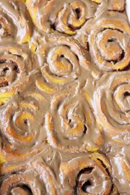Pumpkin Cinnamon Rolls_Glazed Cinnamon Rolls