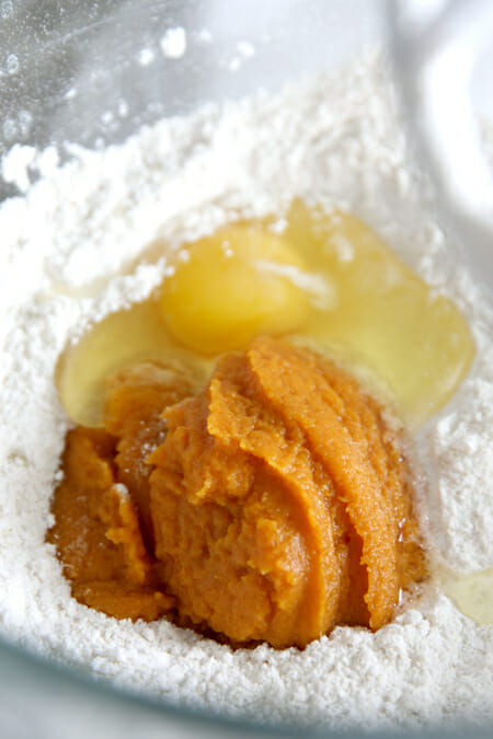 Pumpkin Cinnamon Rolls_Pumpkin in Dry