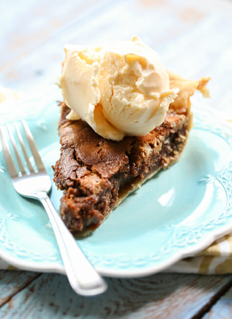chocolate caramel pecan pie with ice cream