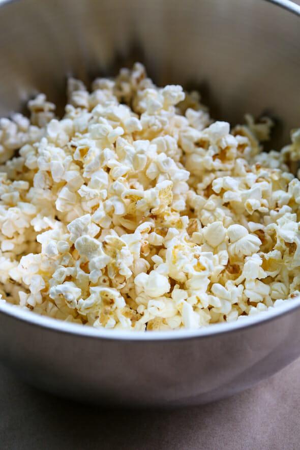 caramel marshmallow popcorn-3
