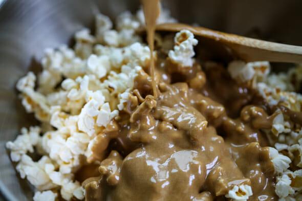 caramel marshmallow popcorn-4