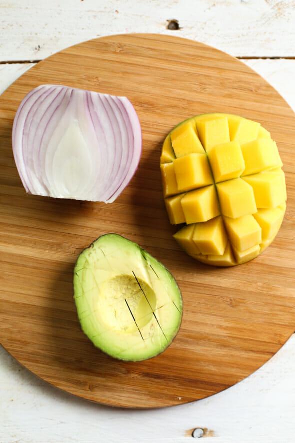 avacado mango salad-1