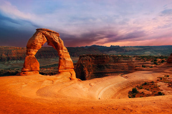 arches-national-park-photo-delicate-arch-at-sunset