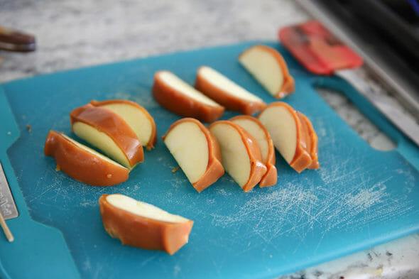 sliced caramel apples