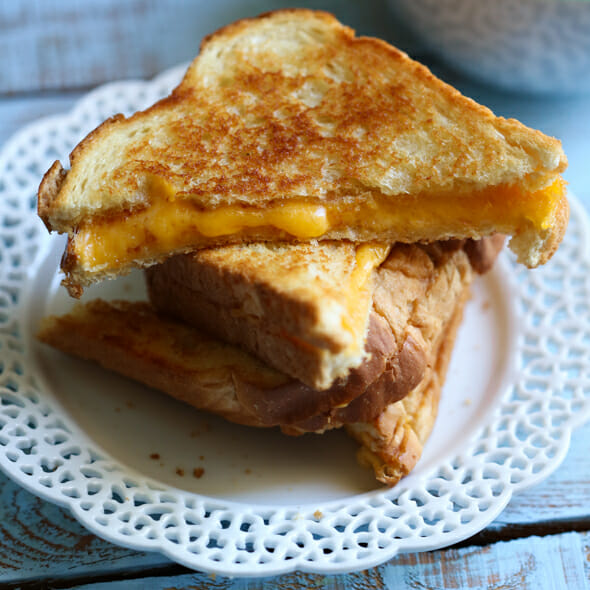 How to Make the Perfect Grilled Cheese from Our Best Bites