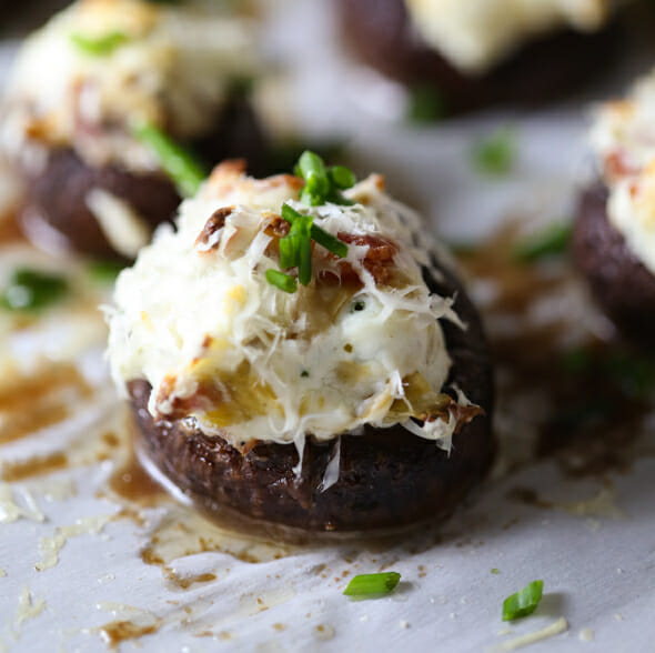 Garlic-Artichoke Stuffed Mushrooms