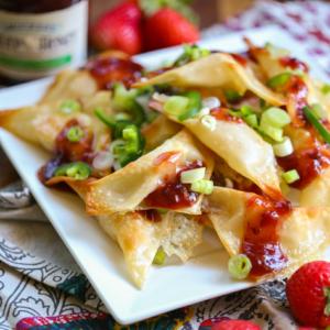 Brie Wontons with Strawberry-Jalapeño Jam