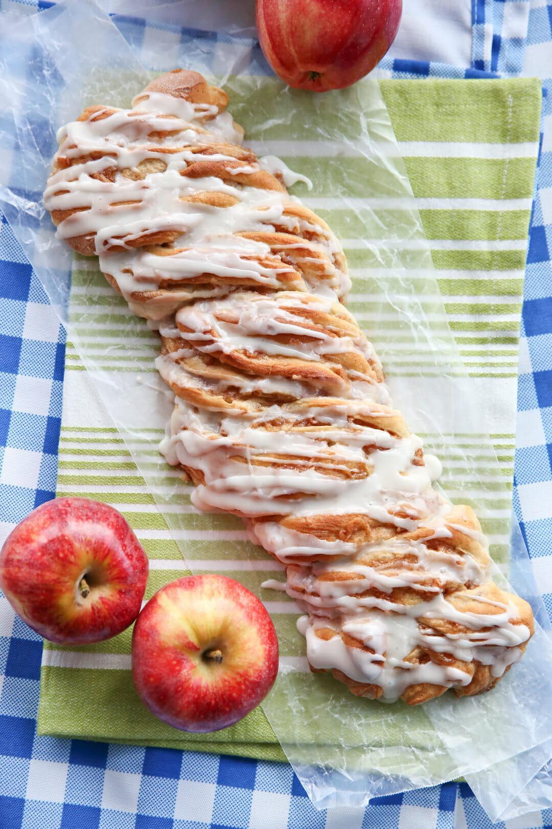 braided cinnamon apple bread_served