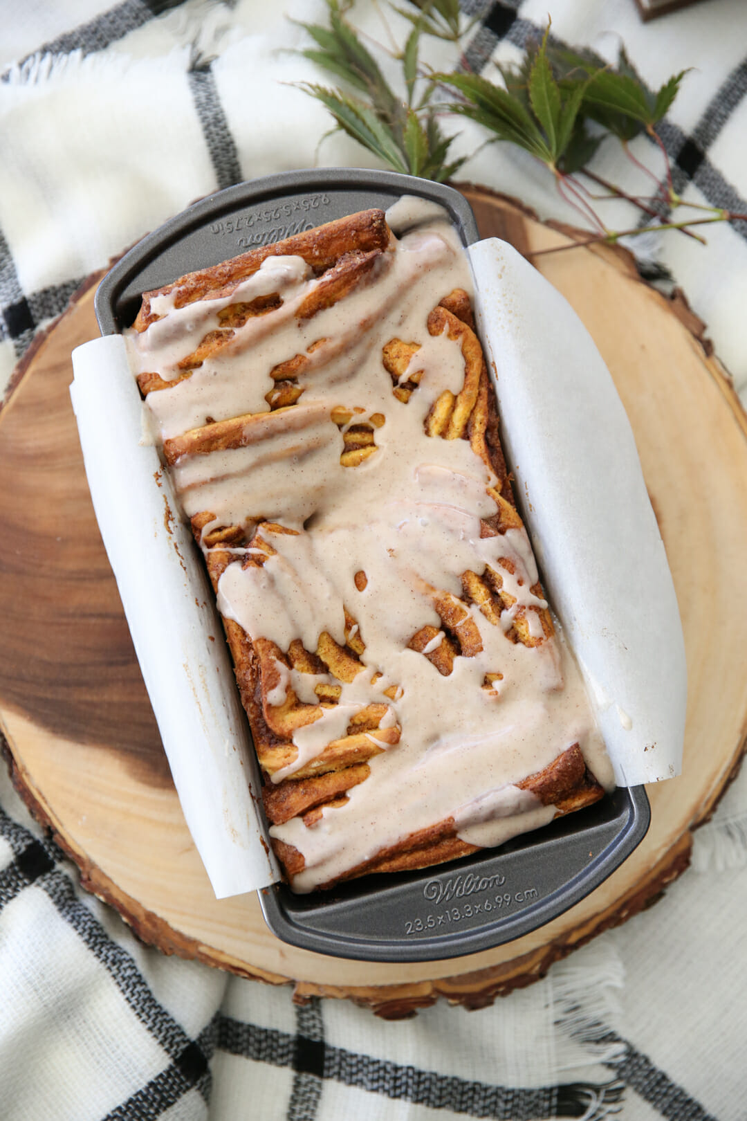 Pumpkin Spice Pull Apart Bread with frosting