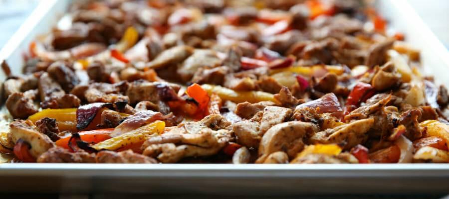pan with chicken fajitas