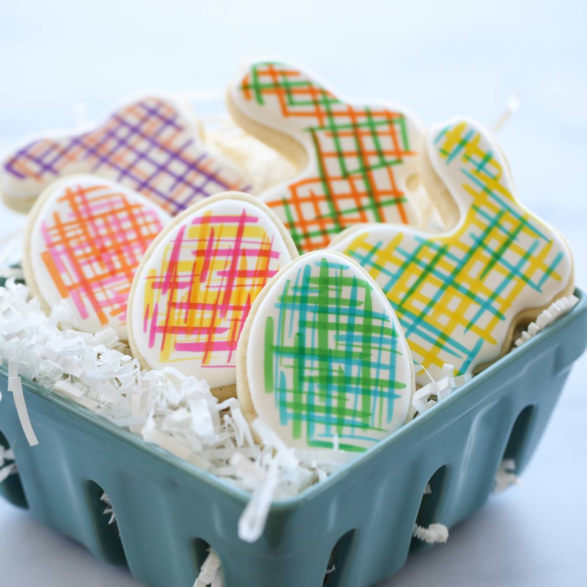 Easy Hand-Painted Easter Cookies