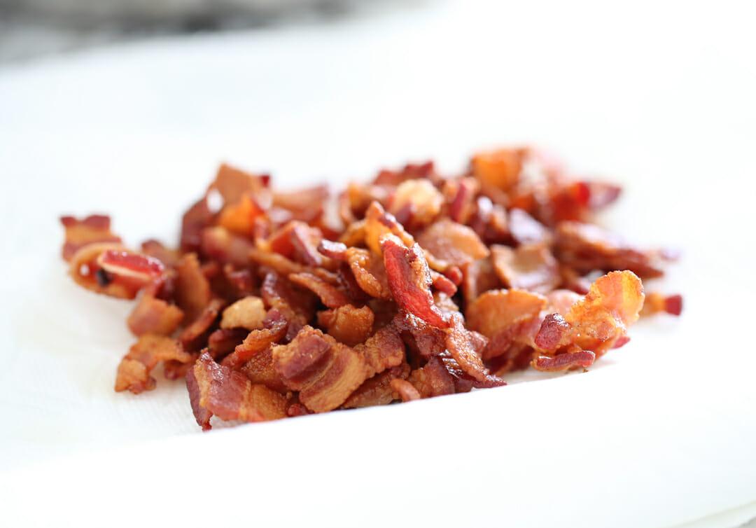 crispy bacon on towels
