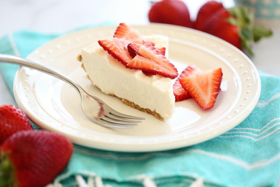 sliced no bake cheesecake
