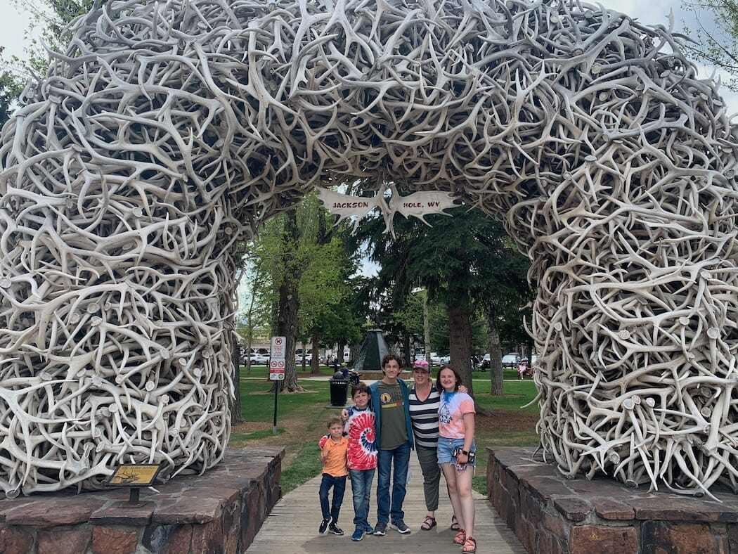 kids in front of the antler arch in Jackson Hole, Wyoming